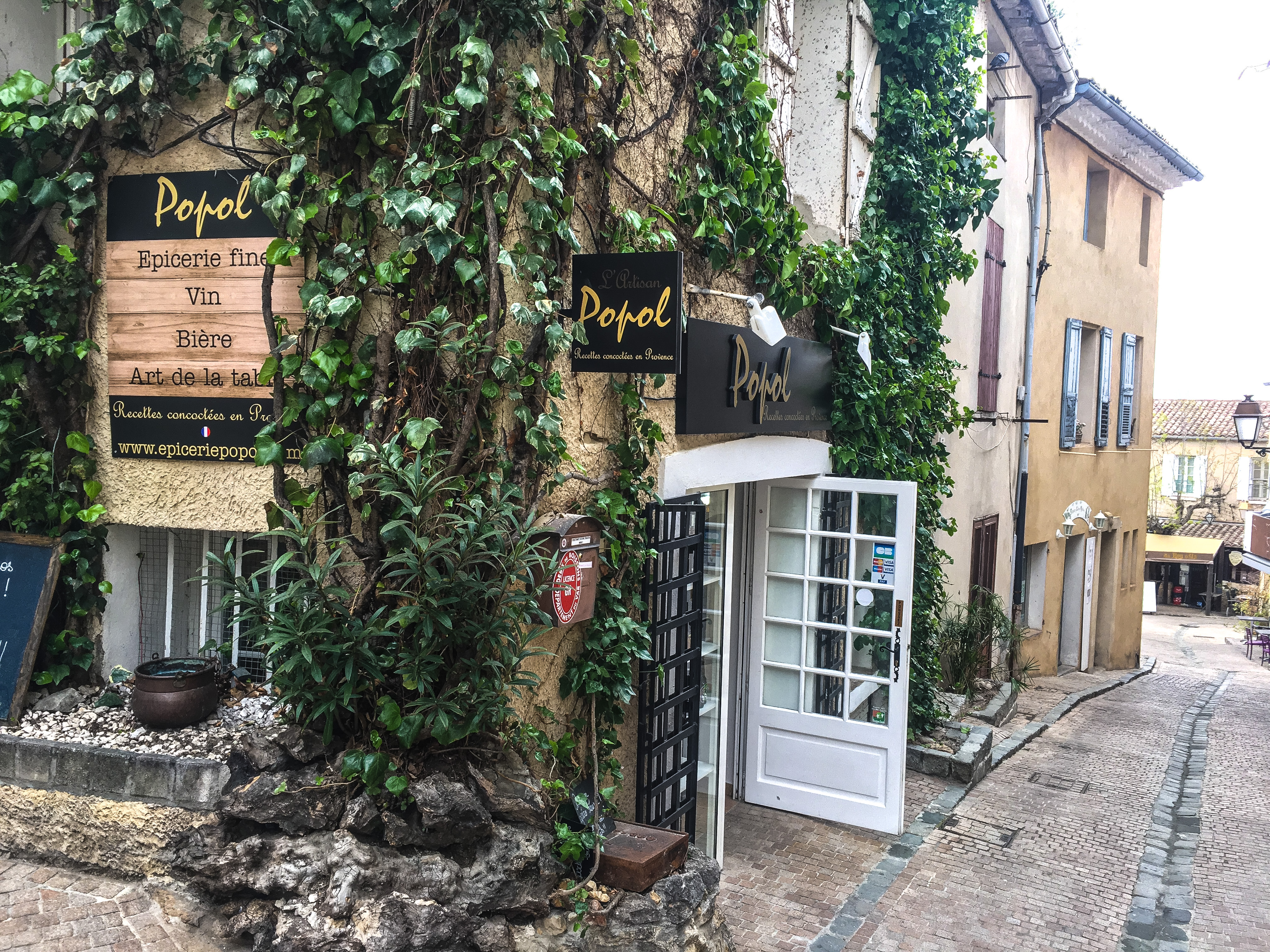 boutique-du-village-du-castellet-popol